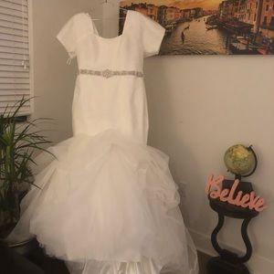 Custom Allure Bridal Sheath/Mermaid Gown Ivory